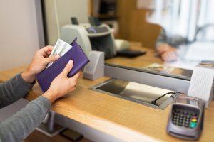 Документальное оформление выдачи денег из кассы в банк