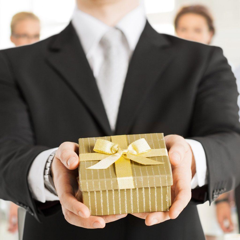 Как подарить долю в ООО другому участнику родственнику и третьему лицу