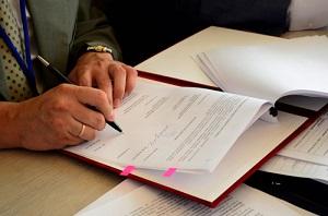 Нужно ли составлять учредительный договор ООО при создании организации – образцы, отличия от Устава