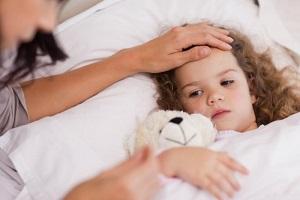 Продляется ли по закону ежегодный отпуск, если был больничный по уходу за ребенком? Порядок оплаты и продления