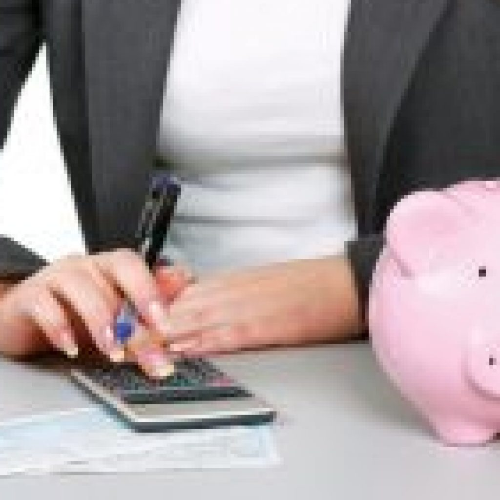 Страховые взносы с компенсации неиспользованного отпуска: облагается ли, сроки уплаты, начисляется ли при увольнении – пример